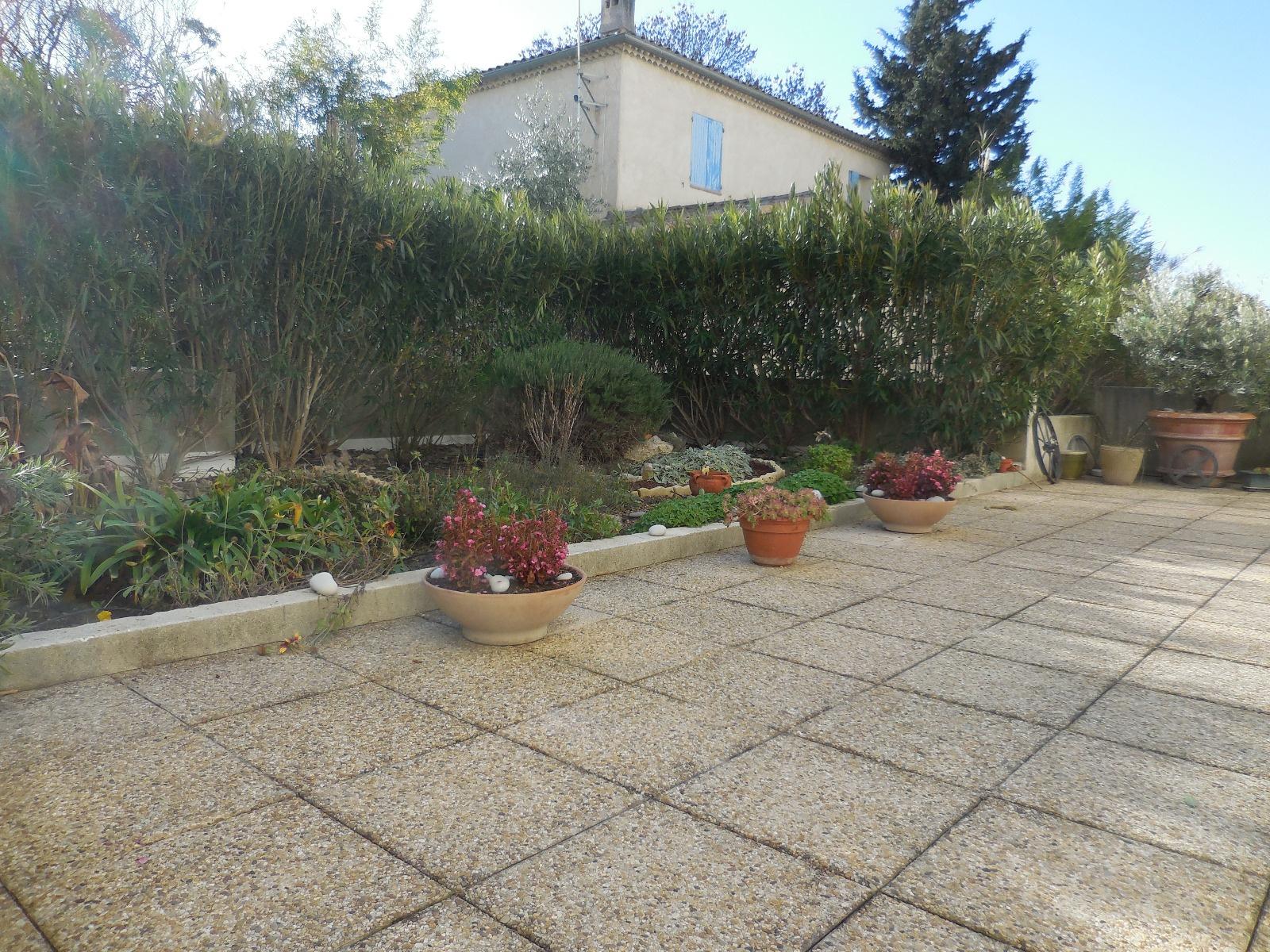 Vente appartement de t3 avec grande terrasse jardin azur for Terrasse jardin immobilier
